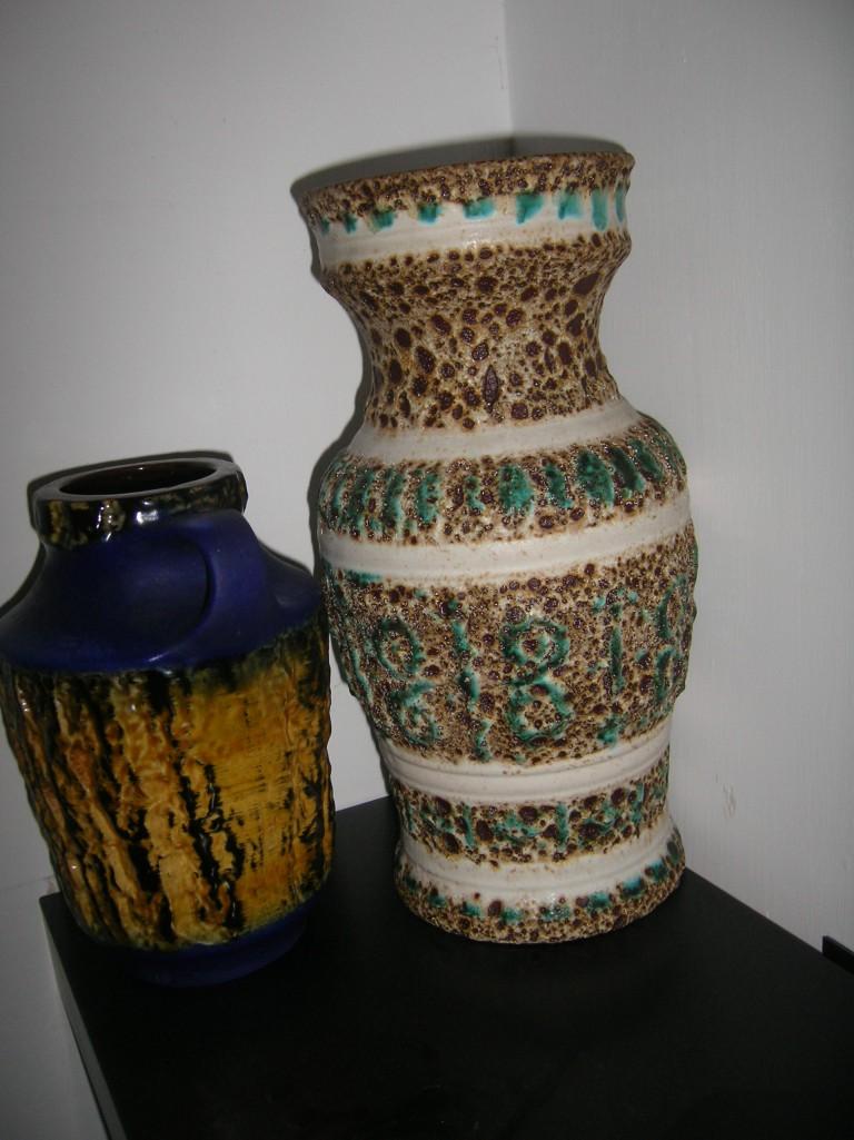 Left: Carstens 222-20; Right: ES Keramik
