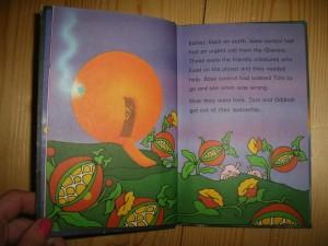 Orange aliens attack in Major Tom's adventure!