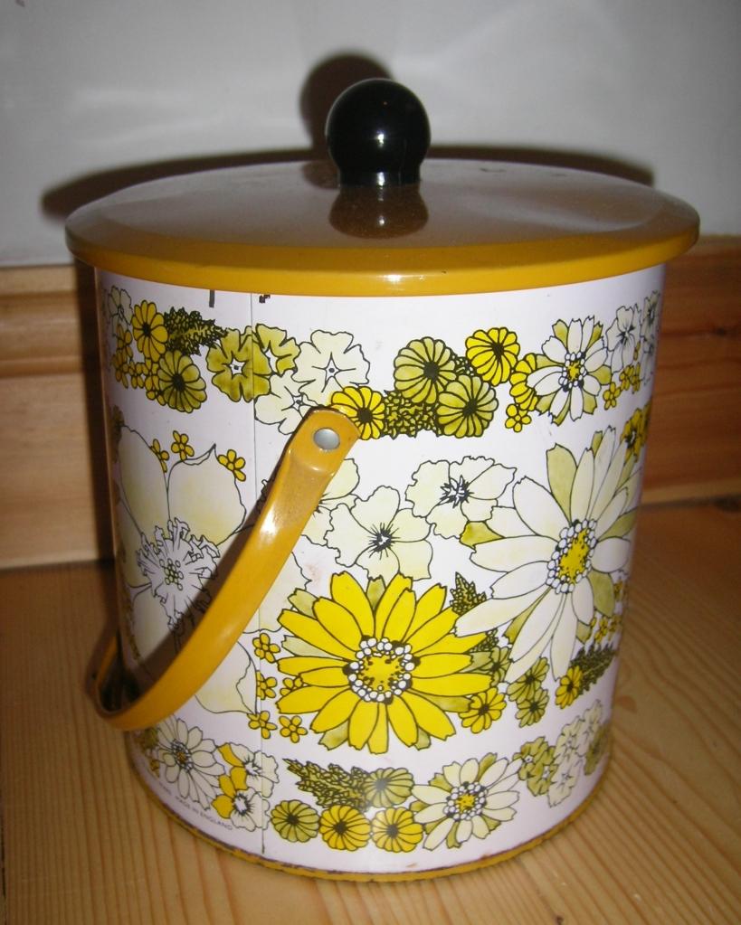 Baret Ware 1960s Biscuit Tin