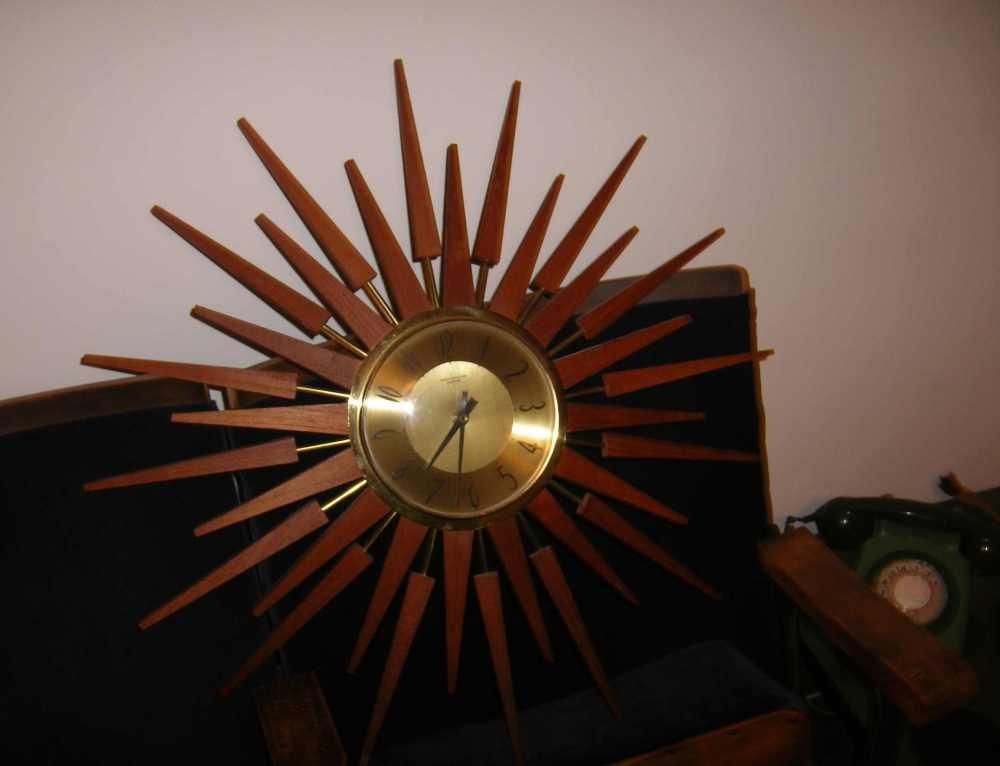 70s Sunburst Clock
