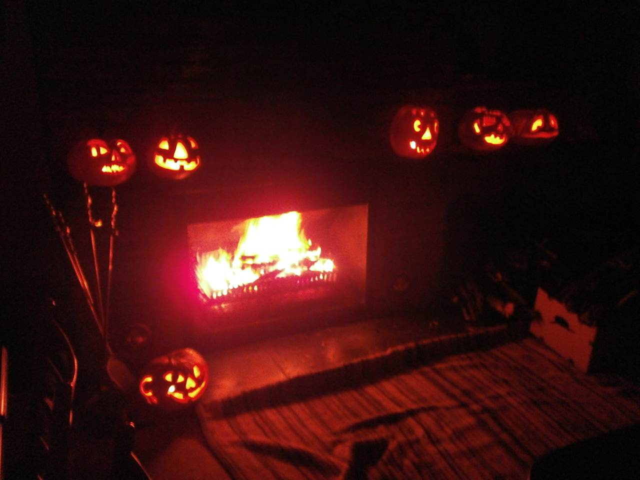 Halloween pumpkin contest little owl ski