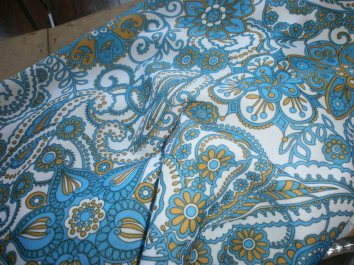 Retro Paisleigh Tablecloth - 75p